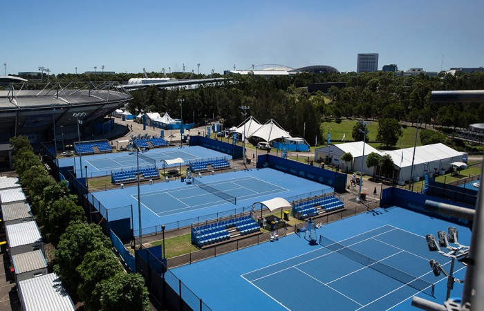 GROUNDS during Day 7 of the 2015 Apia Sydney International played at Sydney Olympic Park Tennis Centre, Sydney, Australia, Saturday, 17 Jan 2015. Photo: Murray Wilkinson (SMP Images).