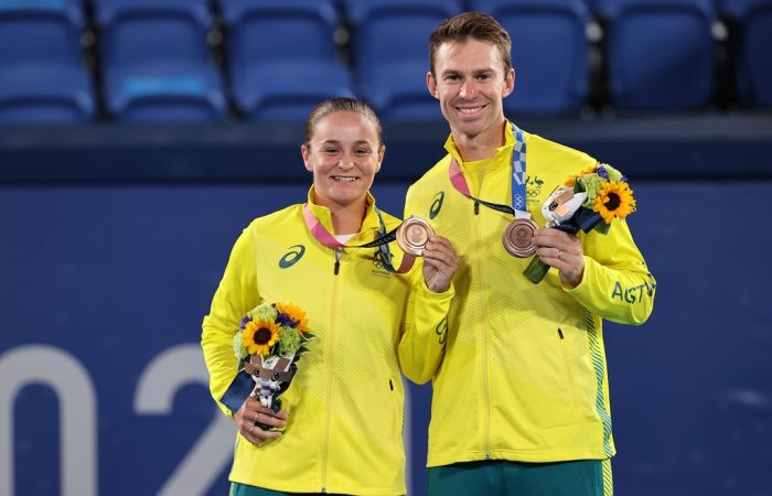 Barty-and-Peers-awarded-bronze-medals-in-Tokyo-700x450