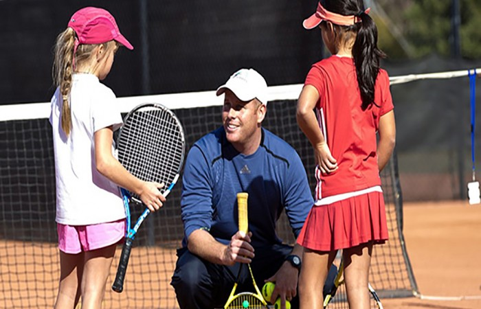 coach and students 1024x768