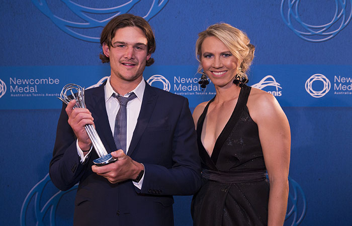 The Newcombe Medal.  Palladium Crown The Most Outstanding School Award.  Wembley Primary Lee Stringer with Alicia Molik