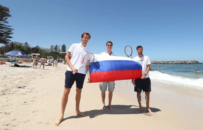 Team Russia visit Cottesloe Beach ahead of ATP Cup