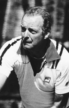 Fred Stolle. Tennis Australia