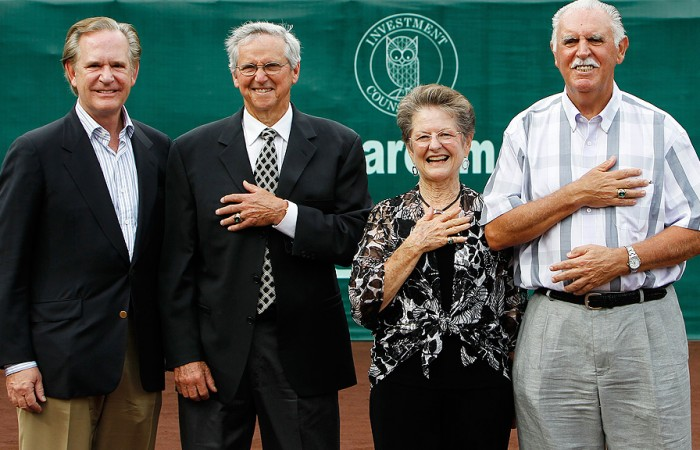 Special guests (l to r:) International Tennis Hall of Fame & Museum Chairman Christopher Clouser, and Hall of Famers Roy Emerson, Nancy Richey and Owen Davidson. Photo: Aaron Sprecher