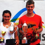 Optus 14s National Claycourt Champions Isabelle Wallace and Jordan Smith. Photo: Tennis Australia