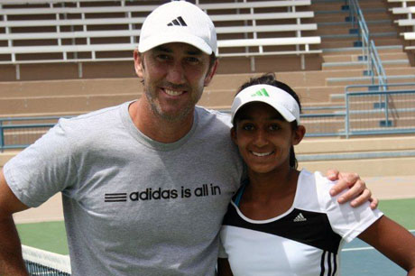 Naiktha Bains (right) with Australian coach Darren Cahill. TENNIS AUSTRALIA