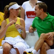 Olivia Rogowska gets instructions from team captain David Taylor; Getty Images