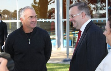 Wally Masur (L) and Anthony Albanese at the announcement of the funding boost for the Blacktown Leisure Centre precinct, which will house the new NSW National Academy; Tennis Australia