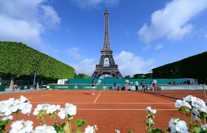 The Longines Future Aces court in front of the Eiffel Tower. LONGINES