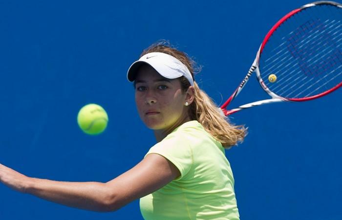 No.2 seed Daniela Kovacevic in action at the 14/u Australian Championships; Elizabeth Xue Bai