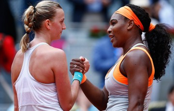 Petra Kvitova (L) shakes hands with Serena Williams after defeating the world No.1 in the 2015 Mutua Madrid Open semifinals; Getty Images