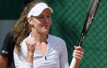Olivia Rogowska celebrates her first-round qualifying victory at Roland Garros 2015; Elizabeth Xue-Bai
