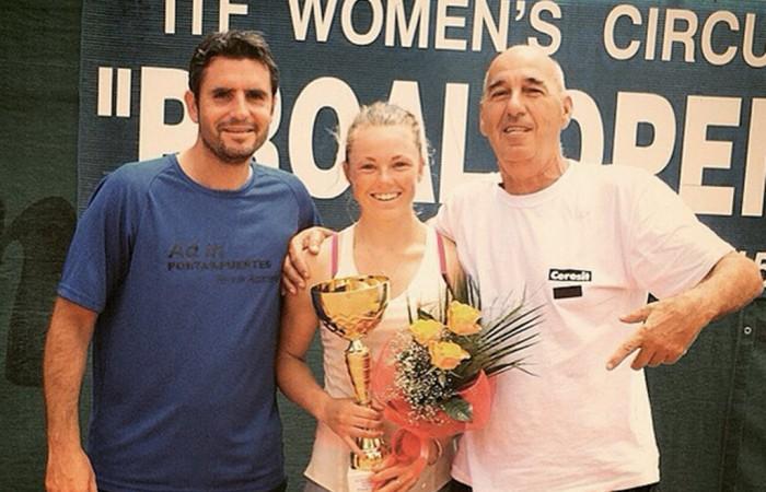 Alexandra Nancarrow holds the trophy after winning the ITF event in Prokuplje, Serbia; photo credit Alexandra Nancarrow, Instagram