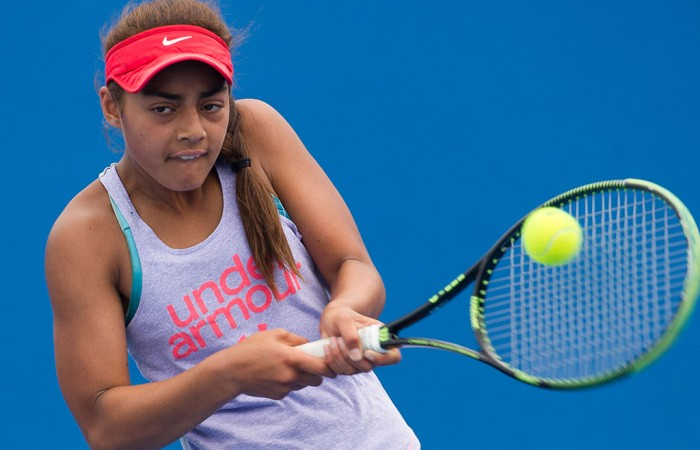 Annerly Poulos in action in the 14/u Australian Championships at the 2015 December Showdown; Elizabeth Xue Bai