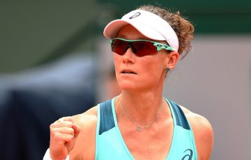 Sam Stosur in action against Lucie Safarova in the third round at Roland Garros 2016; Getty Images