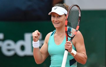 Samantha Stosur reacts after winning her women's quarter-final match against Bulgaria's Tsvetana Pironkova at the Roland Garros 2016 French Tennis Open in Paris on June 1, 2016
