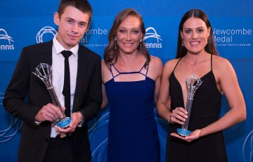 Sam Stosur (centre) with Junior Athletes of the Year Alex De Minaur (left) and Kimberly Birrell (right); photo credit Fiona Hamilton