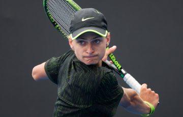 Kody Pearson in action during the semifinals of the boys' 18/u Australian Championships; Elizabeth Xue Bai