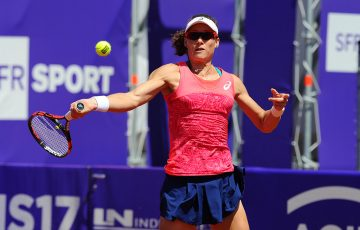 Sam Stosur in action at the WTA Internationaux de Strasbourg; (c) Chryslène Caillaud.com