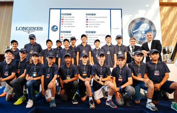 The Longines Future Tennis Aces players line up for the draw.