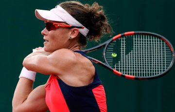 Sam Stosur cruised into the fourth round of Roland Garros. Photo: Getty Images