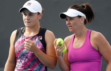 Ash Barty (L) and Casey Dellacqua; Getty Images