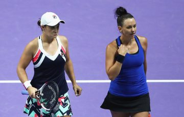 Ash Barty (L) and Casey Dellacqua in action at the 2017 WTA Finals; Getty Images
