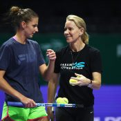 Karolina Pliskova (L) and Rennae Stubbs during a practice session in Singapore; Getty Images
