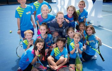 Sam Stosur and meets with ANZ Tennis Hot Shots