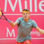 Alex De Minaur in action in his second-round loss to Kyle Edmund in Estoril (photo: Millenium Estoril Open)