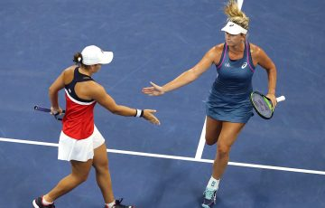 Ash Barty (L) and CoCo Vandeweghe in action during their US Open doubles semifinal; Getty Images