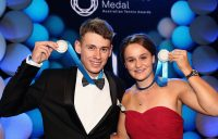 Alex De Minaur (L) and Ashleigh Barty pose with their Newcombe Medals at Melbourne's Palladium Ballroom (Getty Images)