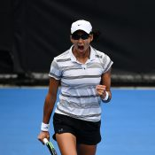 Astra Sharma in action during her AO Play-off semifinal victory over Zoe Hives (photo: Elizabeth Xue Bai)