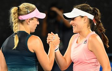 Kimberly Birrell (R) meets Angelique Kerber at the net after falling to the German in the third round of  Australian Open 2019 (Getty Images)