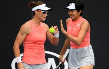 Sam Stosur (L) in doubles action with Zhang Shuai at Australian Open 2019 (Getty Images)