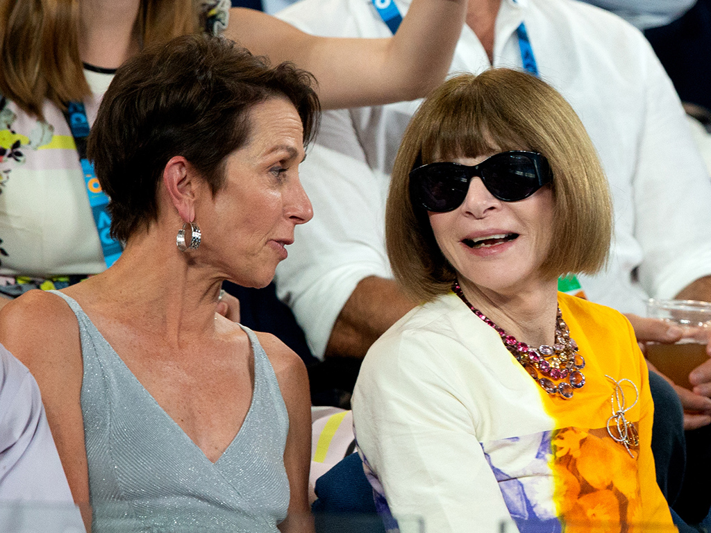 Jayne Hrdlicka (L) and Dame Anna Wintour wears the Adrian Lewis brooch at Australian Open 2019 (Fiona Hamilton/Tennis Australia)