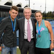 Craig Tiley (centre) with Newcombe Medallists Ash Barty (R) and Alex de Minaur (Getty Images)