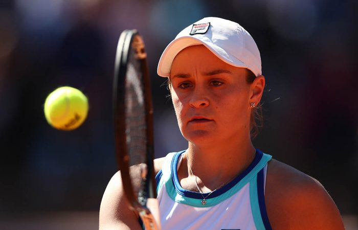 ROME, ITALY - MAY 16: Ashleigh Barty of Australia plays a backhand against Kristina Mladenovic of France in their Women's Singles Round of 16 match during Day Five of the International BNL d'Italia at Foro Italico on May 16, 2019 in Rome, Italy. (Photo by Clive Brunskill/Getty Images)