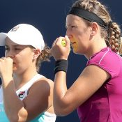 Ash Barty (L) and Victoria Azarenka (Getty Images)