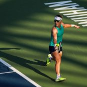 Sam Stosur in action during her first-round match against Amanda Anisimova at the Wuhan Open (photo credit: Wuhan Open / VCG)