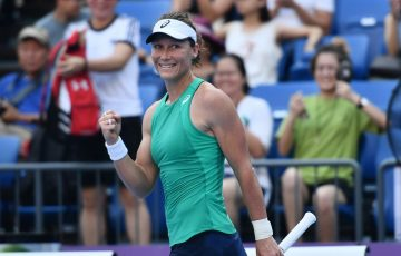 Sam Stosur celebrates her quarterfinal victory at the Guangzhou Open over Nina Stojanovic (Elizabeth Xue Bai/Guangzhou Open)