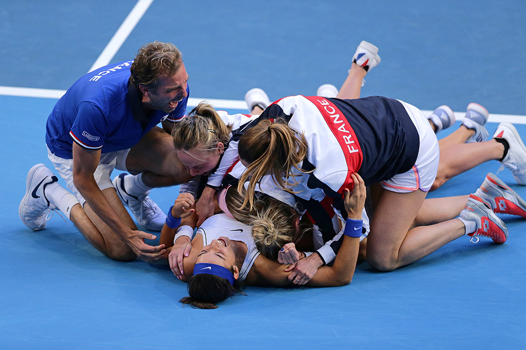 The French Fed Cup team celebrate their 2019 title. (Getty Images)