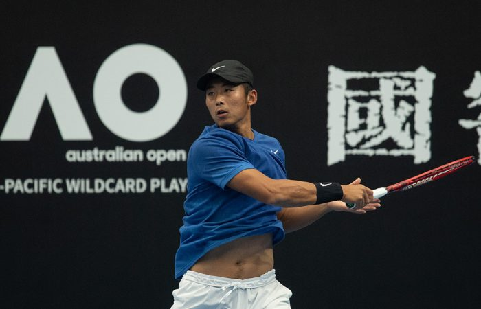 Zhang Ze in action during the Asia- Pacific Wildcard Play-off in Zhuhai, China. (Photo: Elizabeth Bai/Tennis Australia)