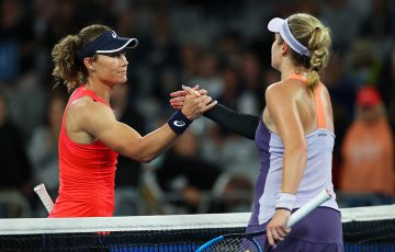 Sam Stosur (L) congratulates Caty McNally after the American won their first-round match at Australian Open 2020. (Getty Images)