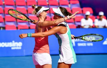 Storm Sanders (L) and Arina Rodionova celebrate their doubles title at the WTA event in Hua Hin. (photo: GSB Thailand Open presented by E@)
