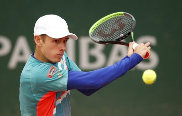 TOUGH DAY: Alex De Minaur during his first round match at Roland Garros. Picture: Getty Images