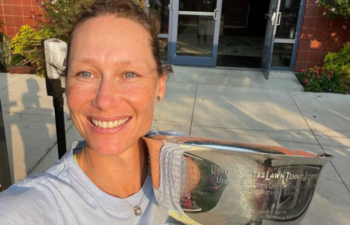 Sam Stosur with her US Open 2021 women's doubles title